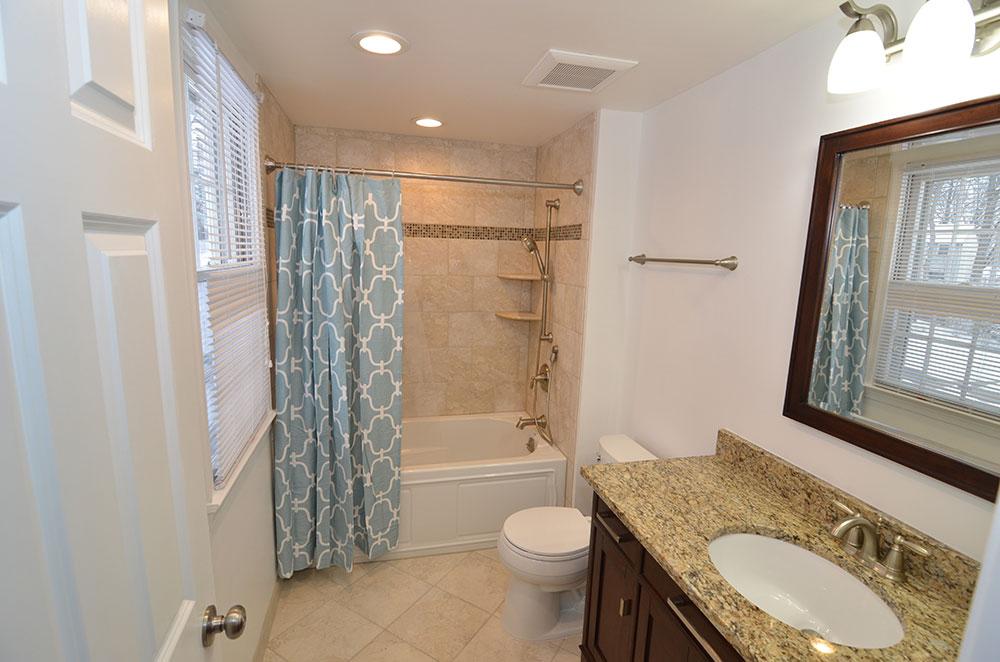 Bathroom remodeling powder room master bath reston va for Bathroom remodeler falls church va